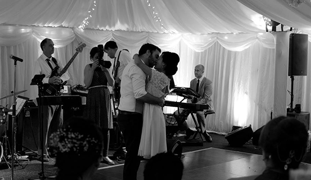 Sound-Wedding-Band
